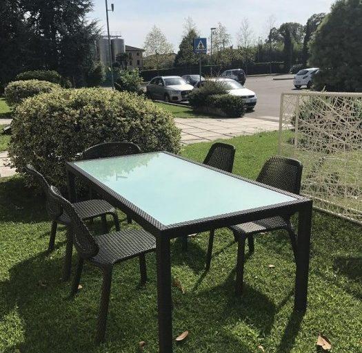 Tavolo e sedie by Dedon Outdoor