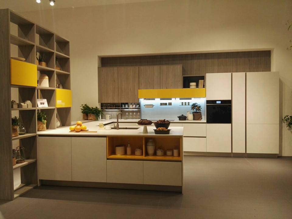 Emejing veneta cucine milano photos amazing house design for Ballarini arredamenti