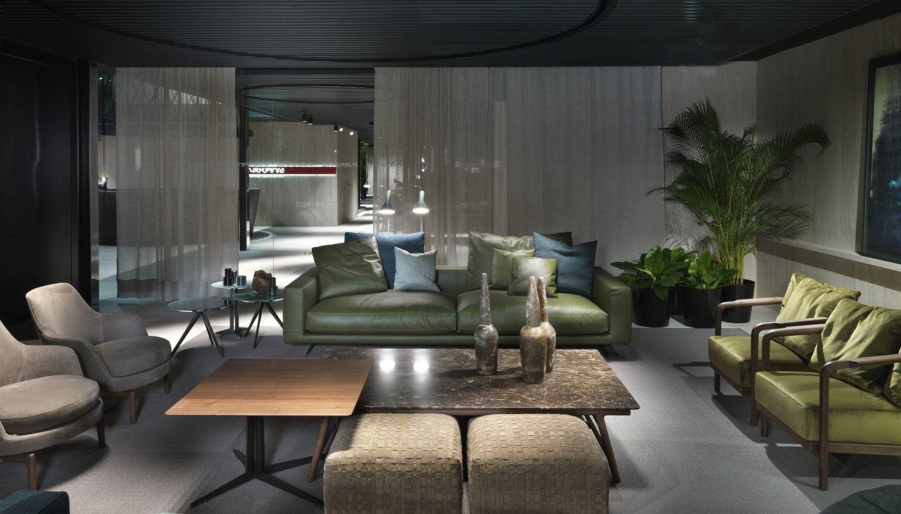 Novit flexform dal salone del mobile ballarini interni for Interni salone